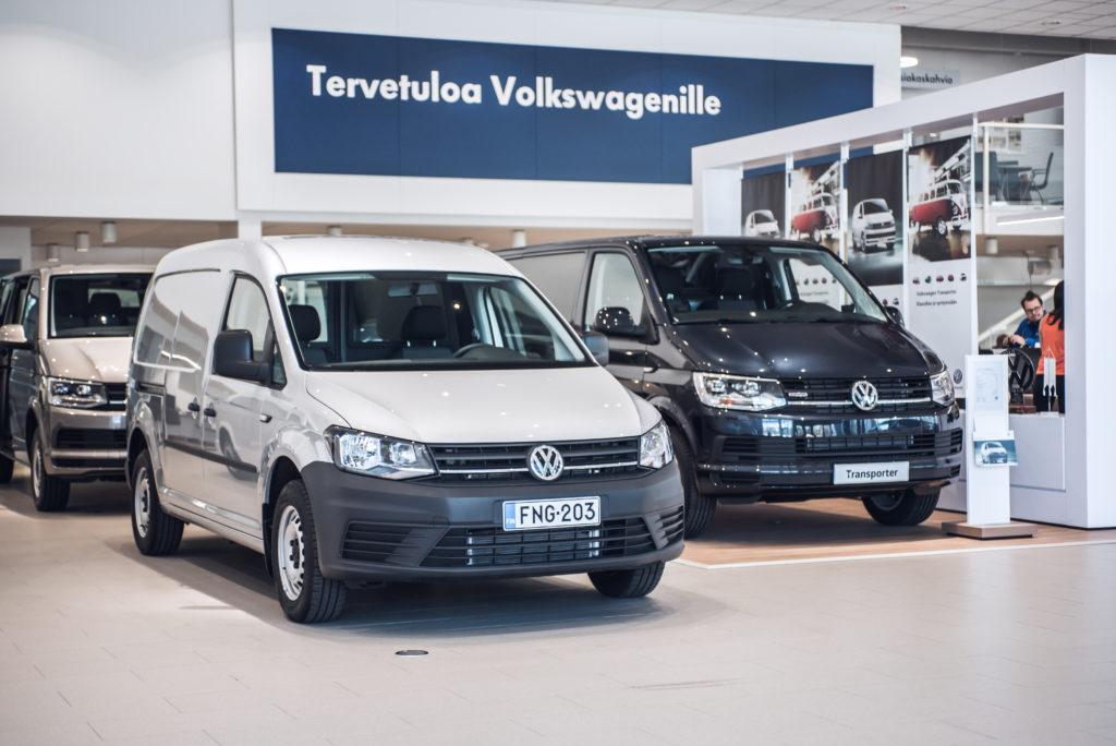 Volkswagen hyötyautoja näyttelytilassa